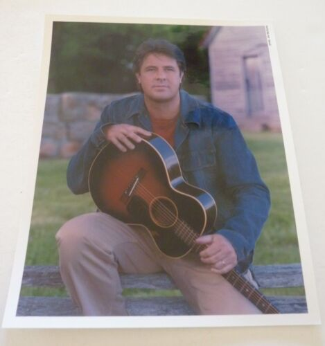Vince Gill Country Music 8x10 Color Promo Photo #2