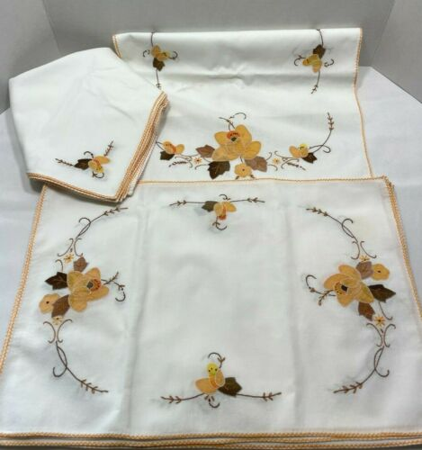 Vintage embroidered linen table runner 6 placemats 6 napkins applique