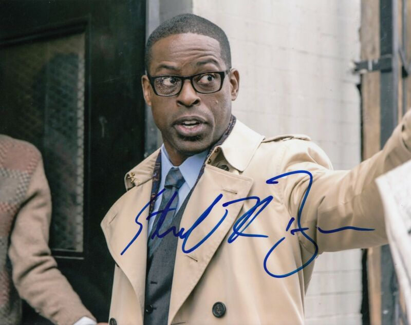 STERLING K. BROWN signed (THIS IS US) 8X10 photo *RANDALL PEARSON* W/COA