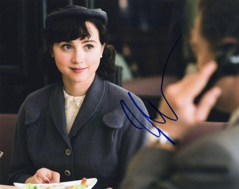 Zoe Kazan signed It's Complicated Movie 8x10 Photo w/COA Revolutionary Road