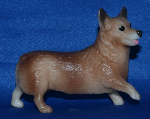 Breyer~2014-17~Classic Pet Groomer~Tan Welsh Corgi~Companion Animal~Dog