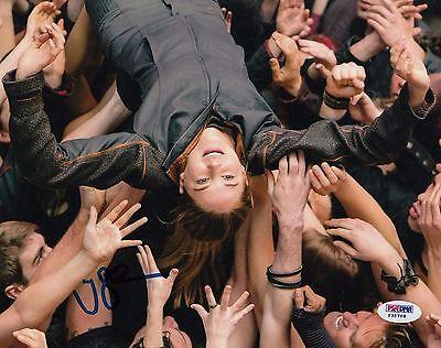 Shailene Woodley Autographed Divergent Insurgent Tris 8X10 Photo Psa Dna Y35768