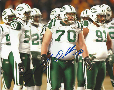 New York Jets Mike DeVito  autographed 8x10 on field action  photo (Field Autographed 8x10 Photograph)