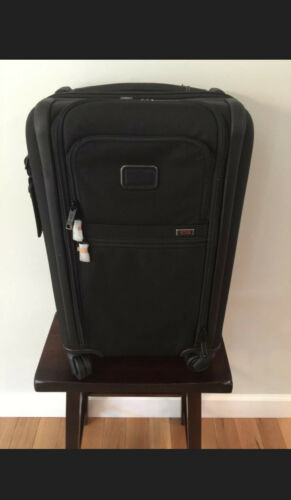 New TUMI Alpha 3 International Expandable 4 Wheeled Carry-On 1171541041 Black - $499.99