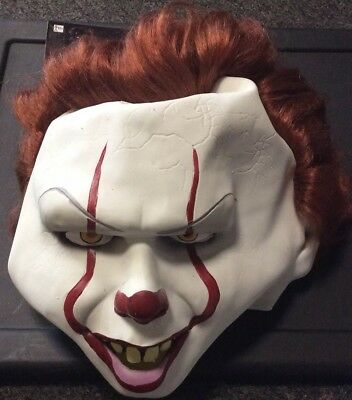 PENNYWISE HALLOWEEN MASK WITH FULL RED HAIR. BEST ON MARKET IT CLOWN NEW W/TAGS