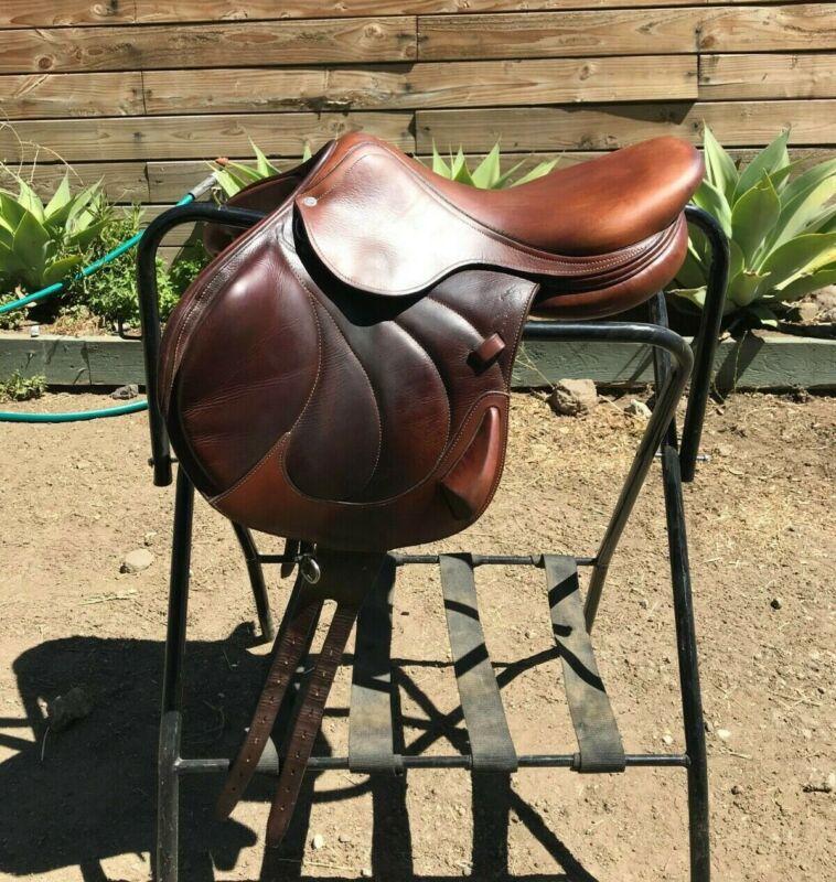 17 Antares Monoflap Jump Saddle