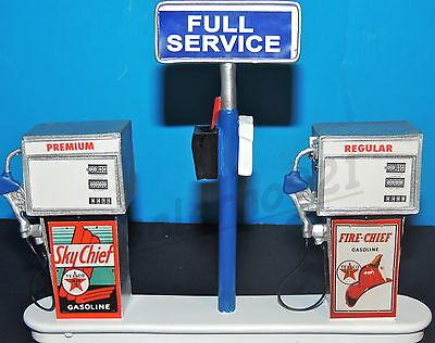 TEXACO FIRE CHIEF  Station Gas Pump Island(Ready to Display) 1:18-1:24 Scale NWB
