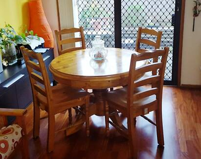 Solid Wood Dining Table with 4 chairs Rosemeadow Campbelltown Area Preview