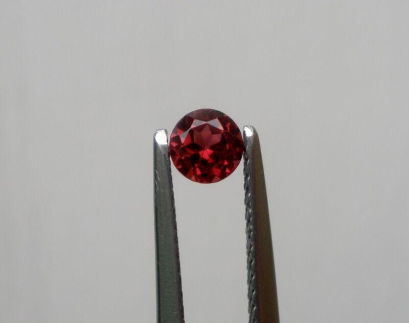 Natural Garnet round shape loose faceted gem 4mm