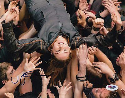 Shailene Woodley Autographed Divergent Insurgent Tris 8X10 Photo Psa Dna Y35767