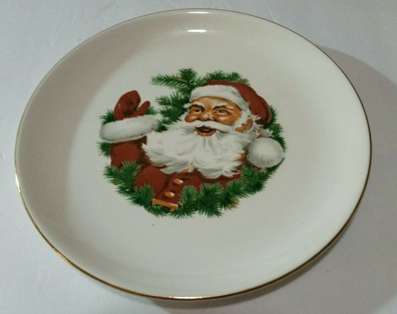 Vintage Mid-Century Christmas Santa Claus Collectible Plate