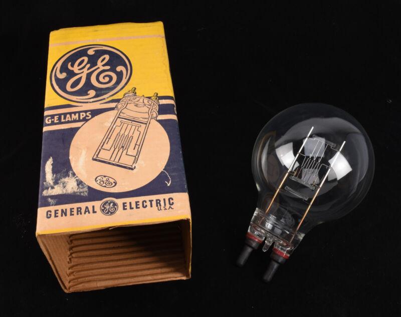 Rare Tungsten Spotlight Bulb GE 1000W 120V Mogul Bi-Post G48 3200K Mole 1K NOS