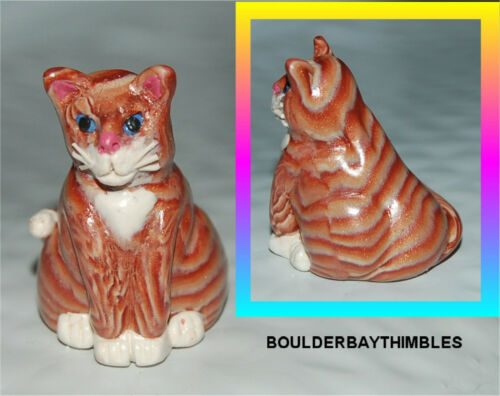 BOULDER BAY- Hand crafted Thimble - #299 SITTING CAT BROWN STRIPE TABBY