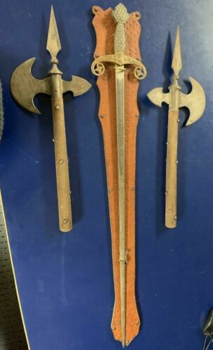 Sword and spear axe decoration set from the 60/70