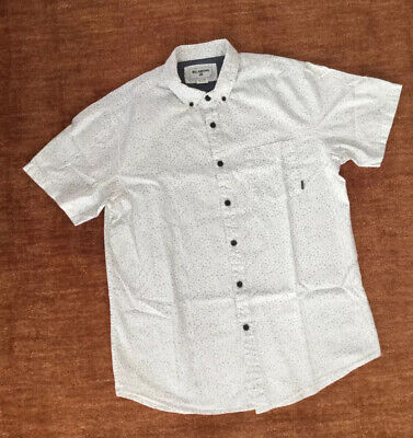 BILLABONG Men's SS Cotton Button-down Shirt (MED) White Gray Triangle Pattern