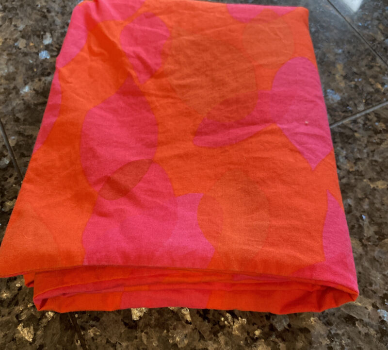 Ikea Discontinued Beata Blad Standard Size Pillowcase Pair Hot Pink and Orange