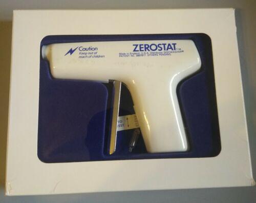 Vintage White Discwasher Zerostat Gun & Test Light Bulb in Orig Box