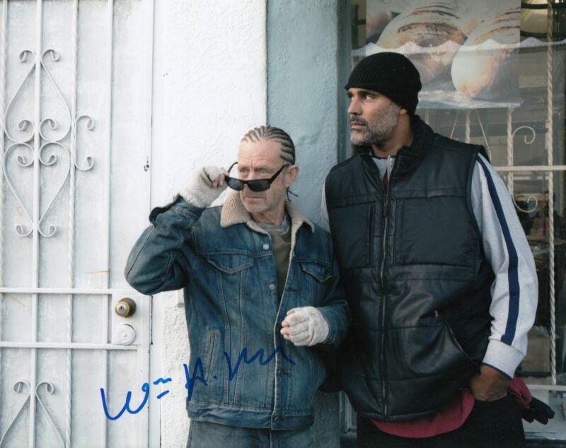 WILLIAM H MACY signed *SHAMELESS* 8X10 photo FRANK GALAGHER (PROOF) W/COA #2