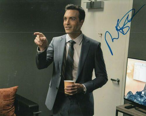 REID SCOTT signed (VEEP) TV SHOW 8X10 autographed photo *Dan Egan* W/COA #2