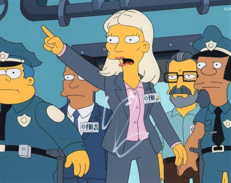 Kristen Wiig Bridesmaids Despicable Me The Simpsons Signed 8x10 Photo w/COA