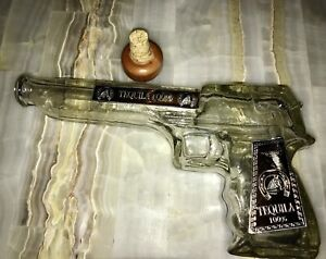 Ornamental and Liquid Holder with form of Glass Pistol