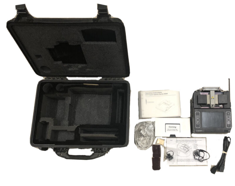 Siecor Corning RXS X77 Fiber Core Alignment Fusion Splicer W/ Case
