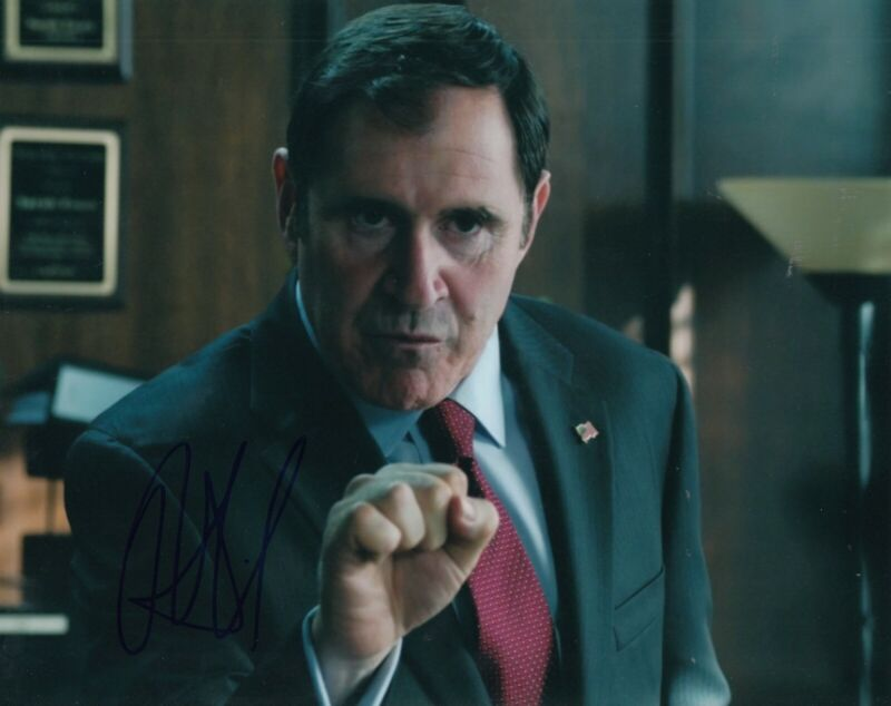 RICHARD KIND signed (GOTHAM) Batman 8X10 photo *AUBREY JAMES* autograph W/COA #3