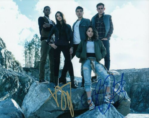 DACRE MONTGOMERY & BECKY G signed (POWER RANGERS) Trini 8X10 photo W/COA #2