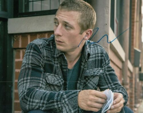 JEREMY ALLEN WHITE signed (SHAMELESS) 8X10 photo *LIP GALLAGHER* W/COA #JW3