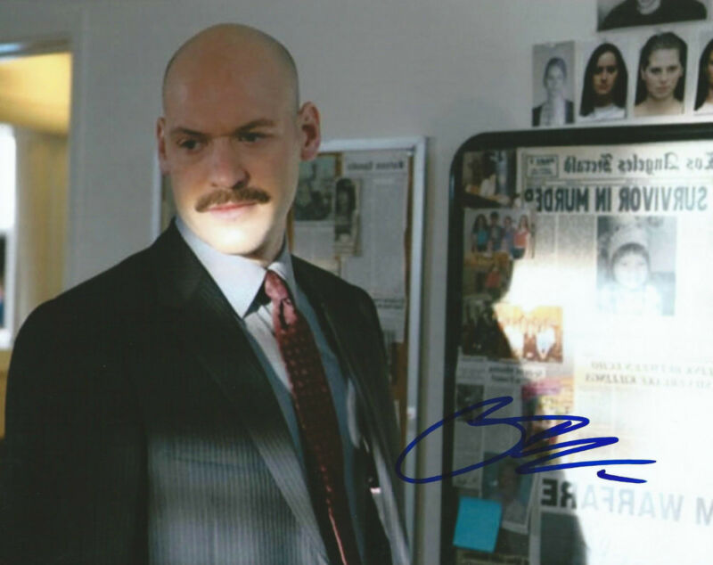 **GFA The Bourne Legacy *COREY STOLL* Signed 8x10 Photo MH1 COA**