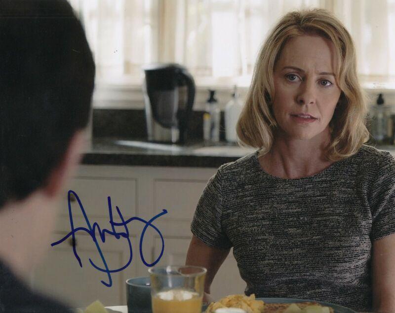 AMY HARGREAVES signed (13 REASONS WHY) TV 8X10 photo *Lainie Jensen* W/COA #2