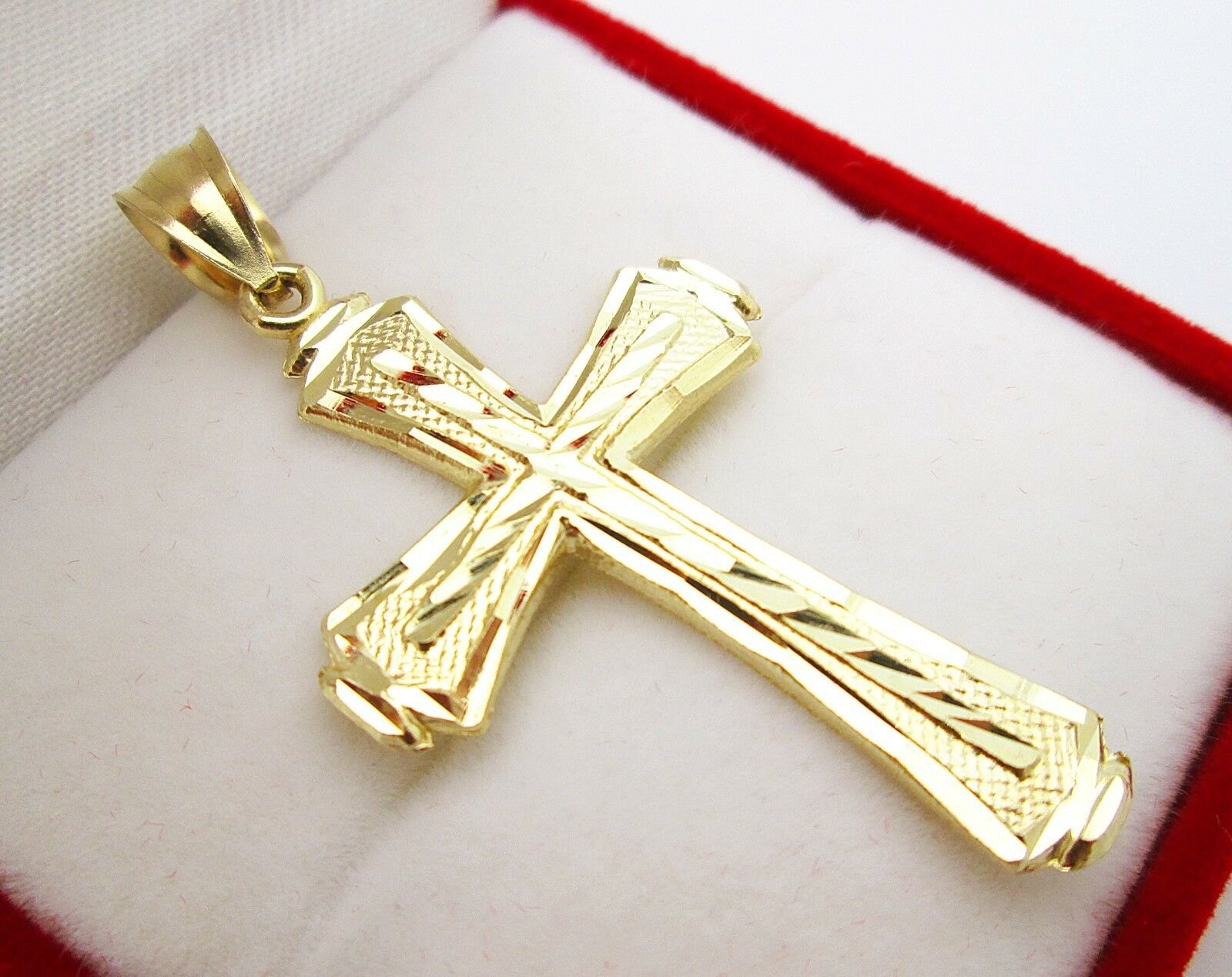 Mens k yellow gold cross pendant diamond cut