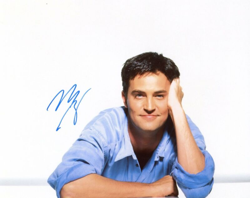 "Matthew Perry ""Friends"" AUTOGRAPH Signed 8x10 Photo B ACOA"