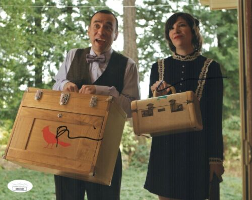 FRED ARMISEN & CARRIE BROWNSTEIN Signed PORTLANDIA 8x10 Photo JSA COA