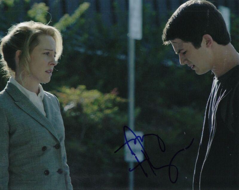 AMY HARGREAVES signed (13 REASONS WHY) TV 8X10 photo *Lainie Jensen* W/COA #3