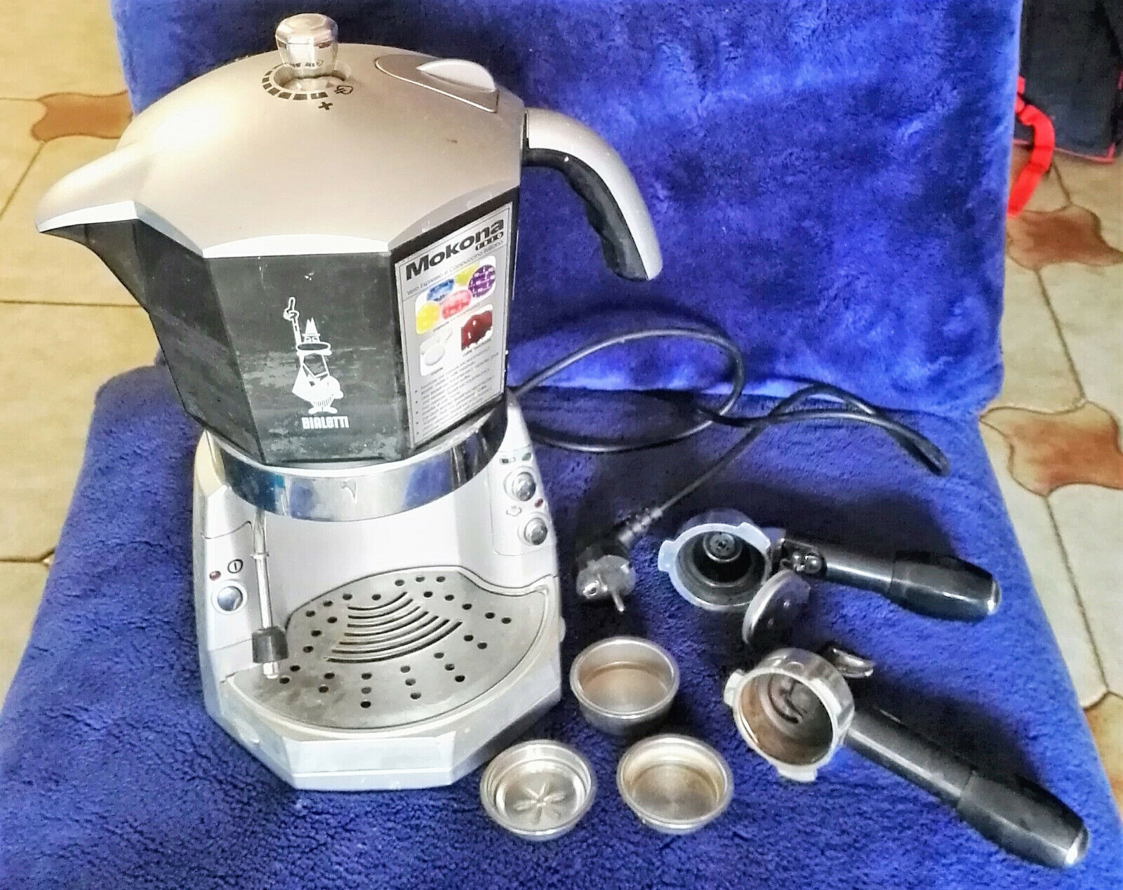 Macchina da caffe' Bialetti Mokona-TRIO:caffè-cappuccino-capsule
