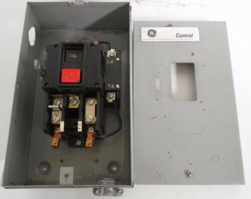 General Electric  CR1062527A Manual Motor Starter With Enclosure