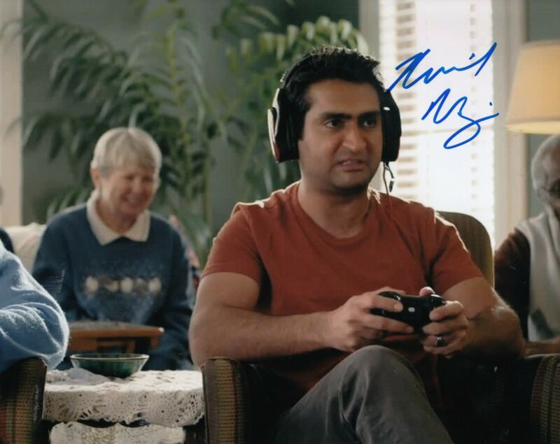 Kumail Nanjiani signed *Silicon Valley* 8X10 photo W/COA Dinesh Chugtai #1