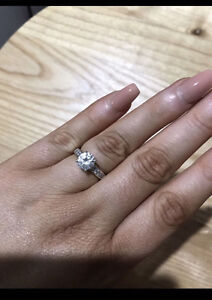 White Gold Swarovski Ring • MUST SELL Gillieston Heights Maitland Area Preview