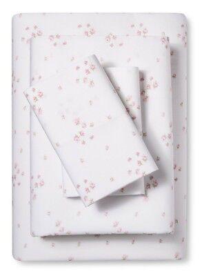 Rachel Ashwell Simply Shabby Chic Pink Rosebud Sprinkles on White Sheet Set FULL ()