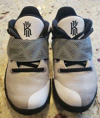 Kids' Nike Kyrie Flytrap 3 Basketball Shoe Little Kid Size 12C