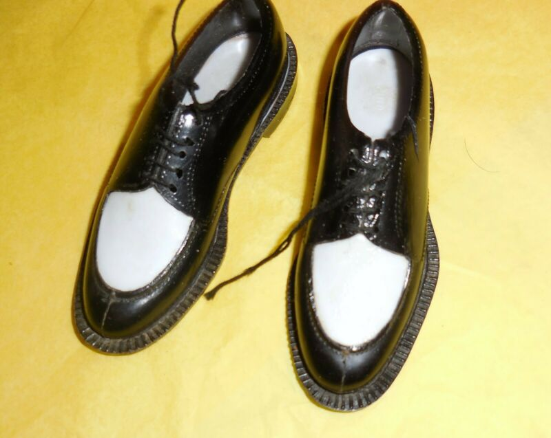 Wingtip Shoe Salesman Sample Black and White Pair 3 inches