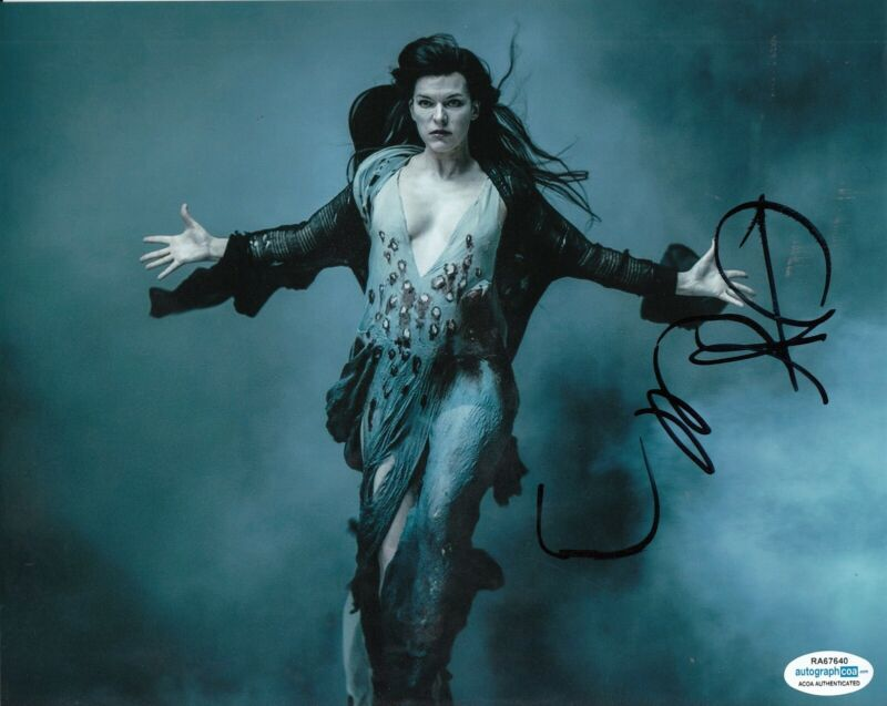 MILLA JOVOVICH signed (HELLBOY) *PROOF* 8X10 photo ACOA Authenticated