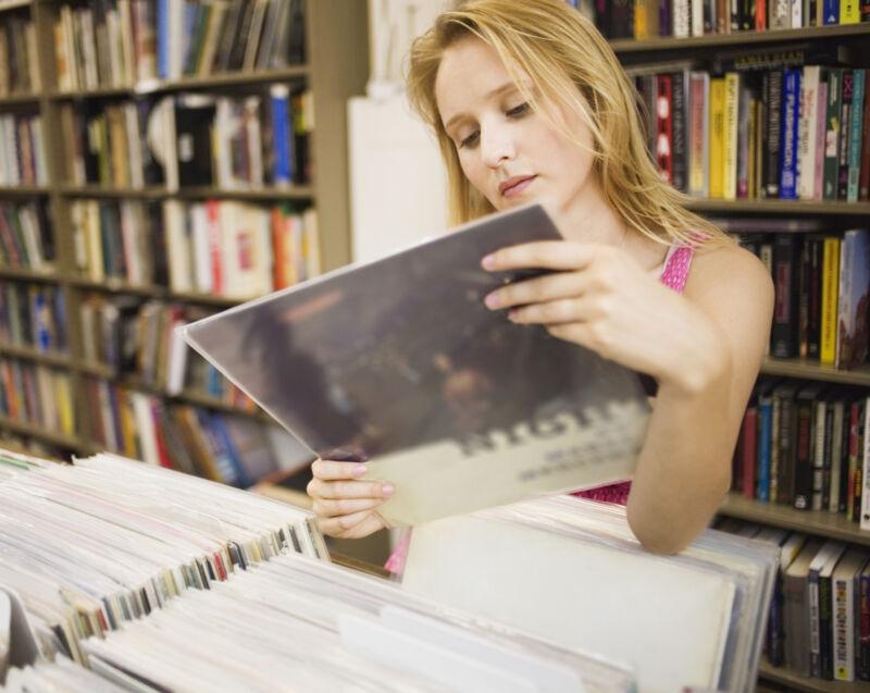 Schallplatten sind auch bei jungen Menschen wieder in. (Foto: Thinkstock)