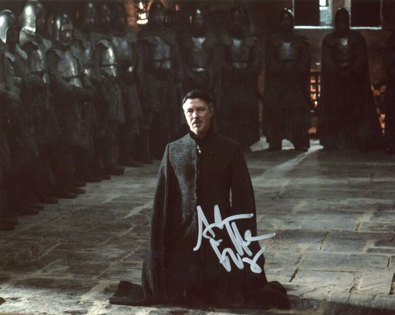 "Aidan Gillen ""Game of Thrones"" AUTOGRAPH Signed 8x10 Photo F ACOA"