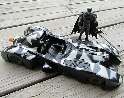 Vintage 1990 Large Kenner Camo BATMOBILE Car with Batman Action Figure