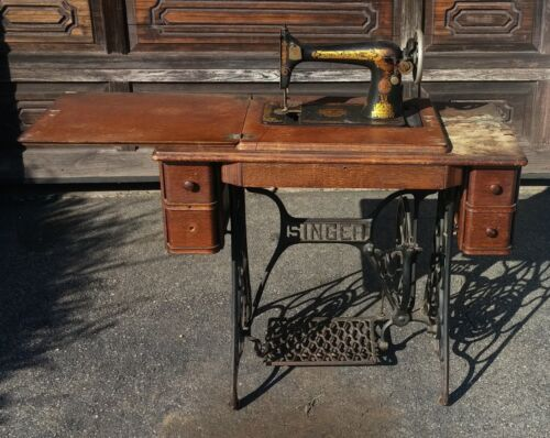 Vintage Antique Singer Treadle & Sewing Machine Table Cabinet-Used