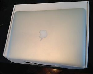 "MacBook Air 13""  intel i7 processor  RAM 4GB"