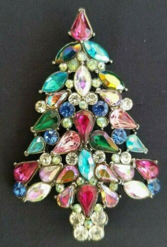 Avon 2006 3rd Annual Collectible Christmas Tree Pin