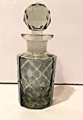 BEAUTIFUL VTGE 1950'S LIGHT GREEN CRYSTAL CUT GLASS PERFUME BOTTLE WITH STOPPER